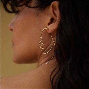 🆕 •Tessa• Silhouette Face Earrings